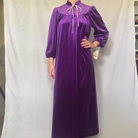 f27cea2c54 Deadstock Vintage Purple Embroidered House Coat